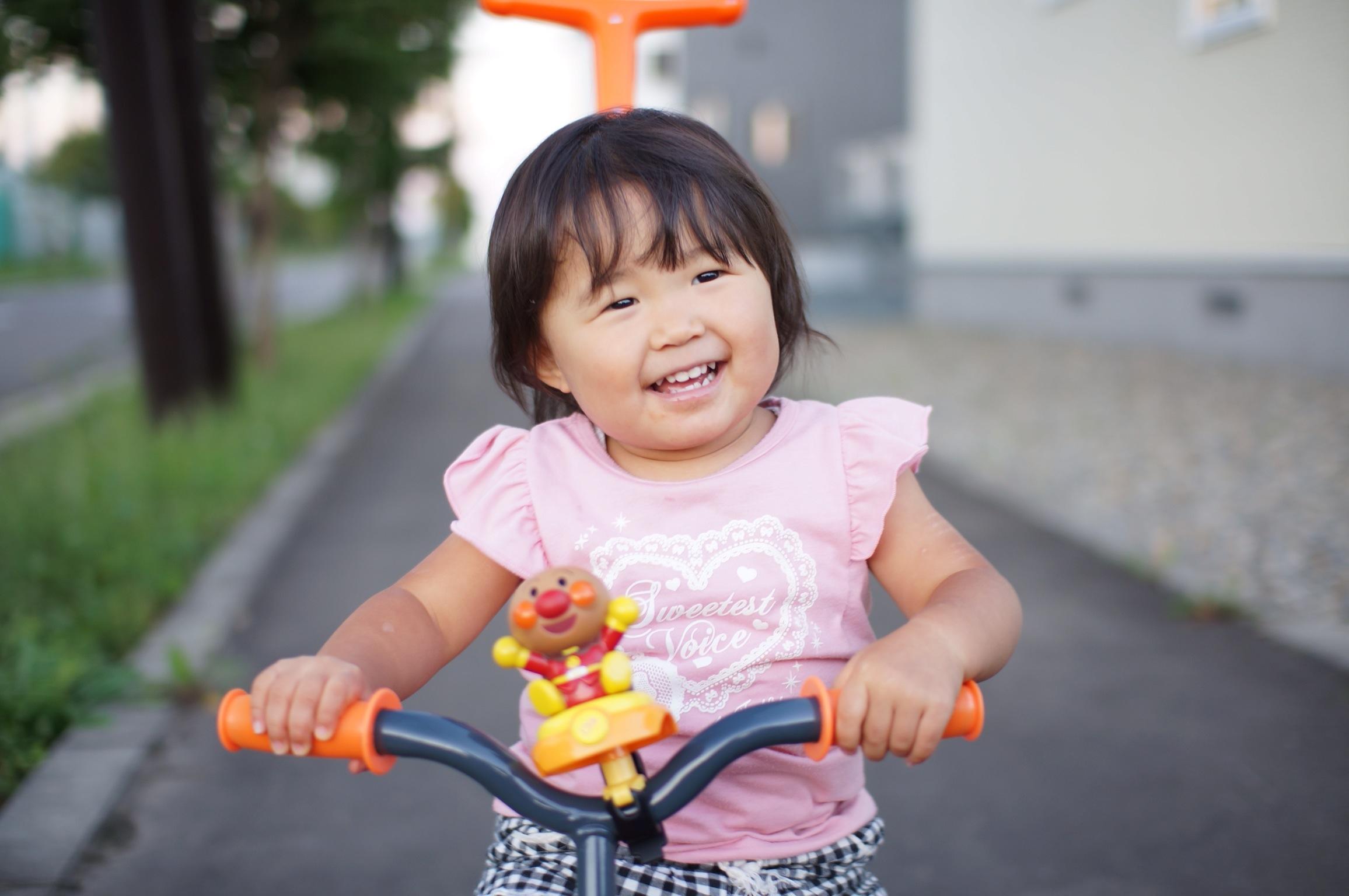2歳の誕生日プレゼント 三輪車♪_a0239890_21493.jpg
