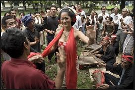 インドネシアの映画9本@韓国でインドネシア映画祭(修交40周年記念)_a0054926_17582393.png