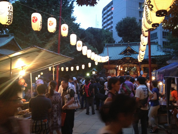 渋谷・金王八幡宮大祭に立ち寄る_a0000006_2053380.jpg