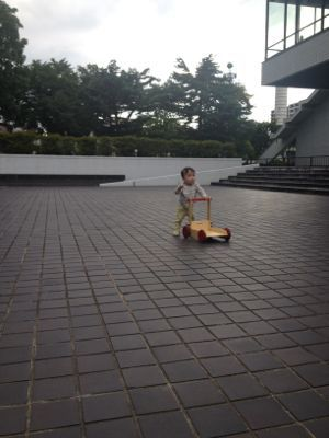 moover baby walker_e0014773_1444371.jpg
