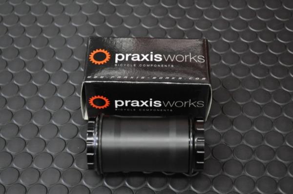 Praxis works BB30,PF30 BBキット入荷_a0262093_11432896.jpg