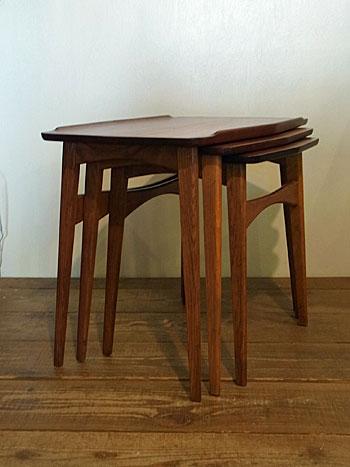 nesting table_c0139773_15504386.jpg
