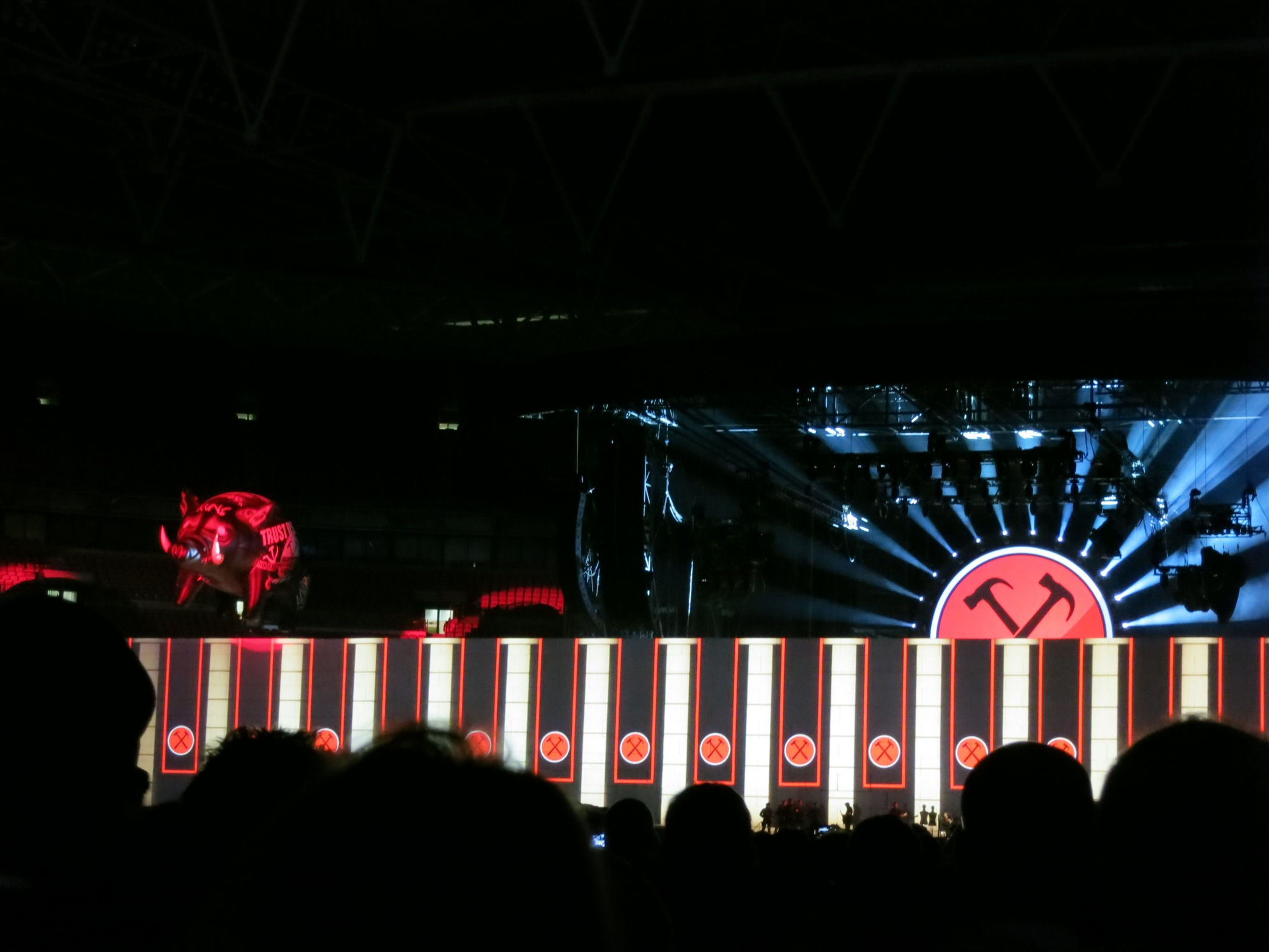 The Wall   Roger Waters _a0137487_427488.jpg