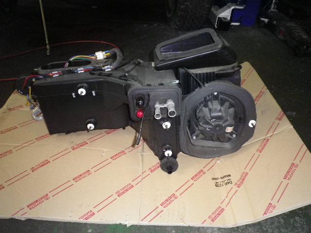 ラングラー エアコン&ヒーター修理 エバポ、ヒーターコア交換_b0123820_11395523.jpg