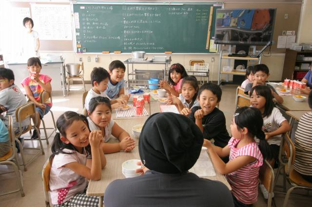 おとどけアート 9月10日(火) 北陽小学校×佐藤隆之 その4_a0062127_143628.jpg