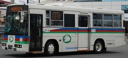 伊豆箱根バスの旧塗装復元車 +α_e0030537_2103557.jpg