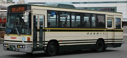 伊豆箱根バスの旧塗装復元車 +α_e0030537_212476.jpg