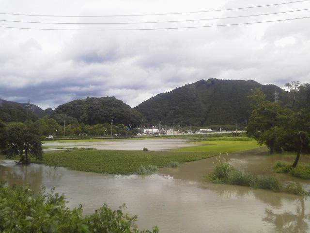 台風の爪痕_b0141264_18572687.jpg