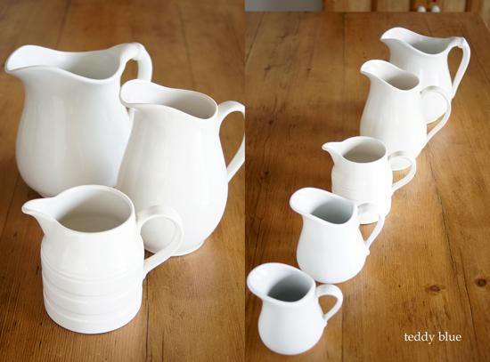 white pitchers  白いピッチャーたち_e0253364_10341718.jpg