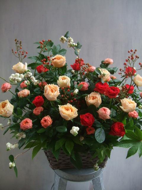 オークリーフ(秋バラと実もののアレンジメント)_f0049672_131461.jpg