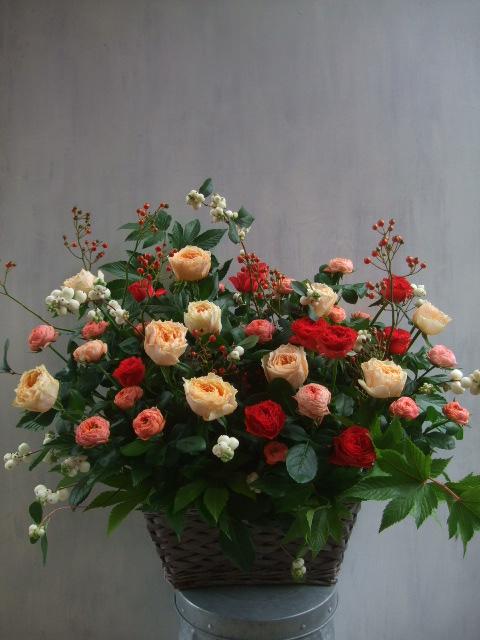 オークリーフ(秋バラと実もののアレンジメント)_f0049672_135064.jpg