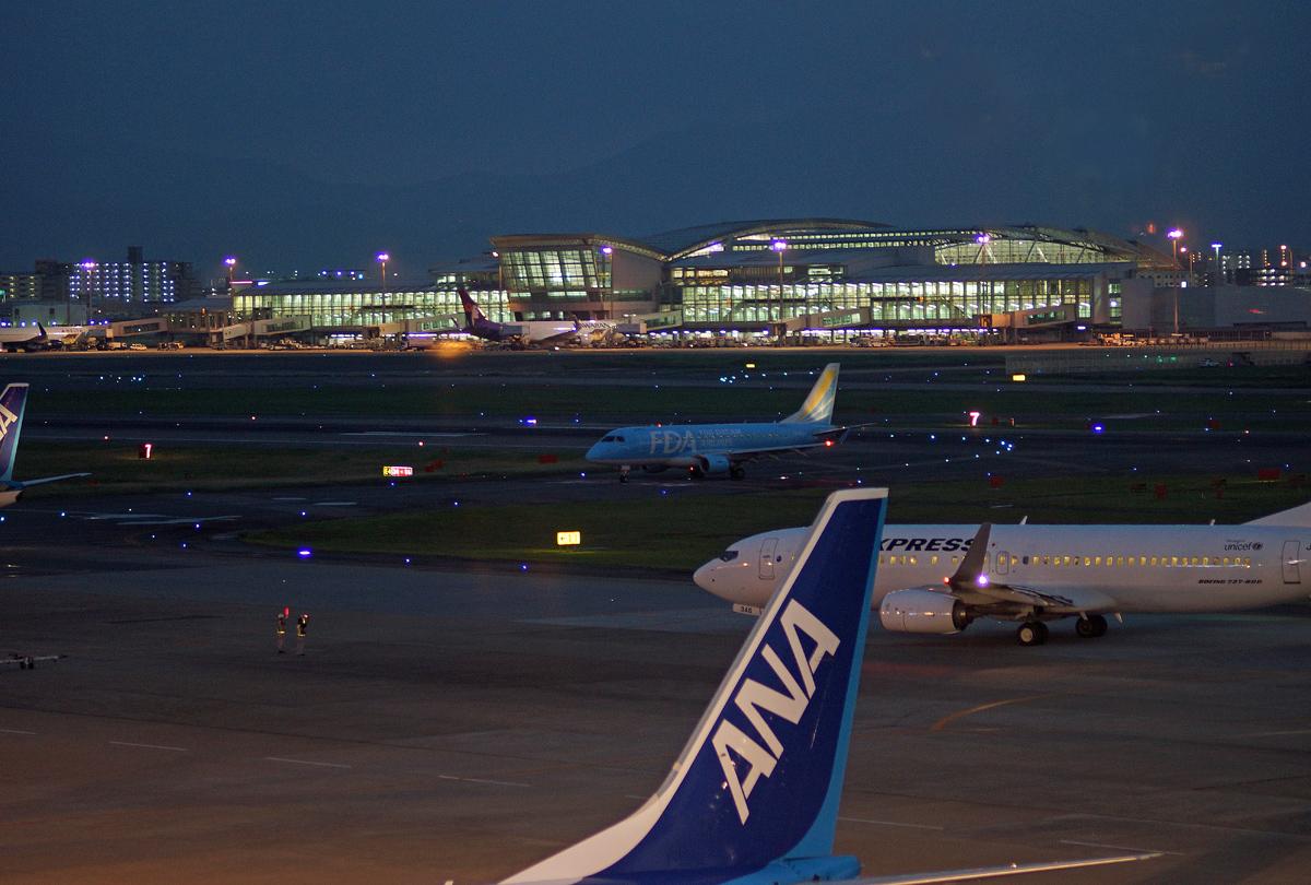 福岡飛行場夜撮。_b0044115_7492320.jpg