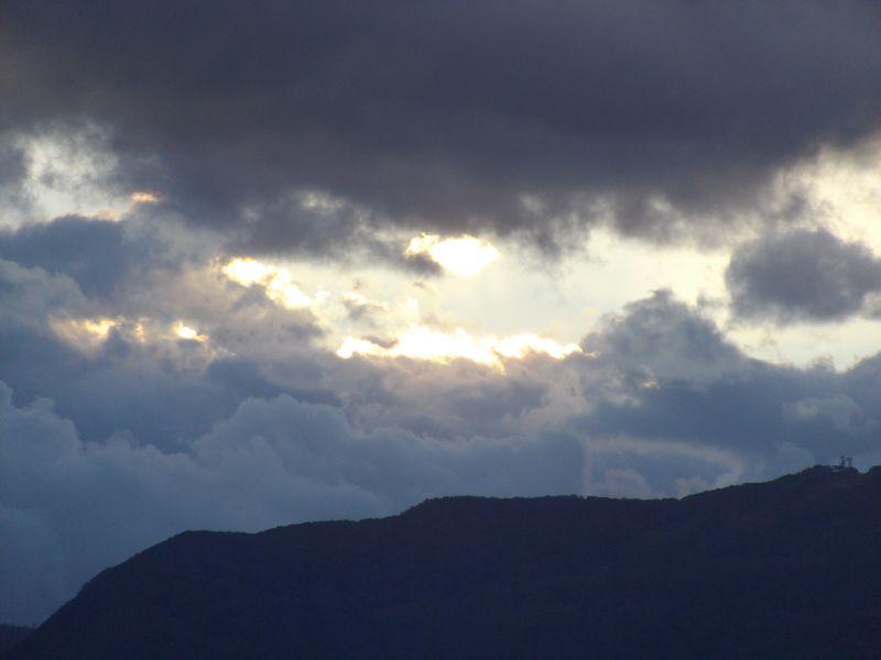 沈む太陽は思ったよりも南に移動していた_c0025115_19394551.jpg
