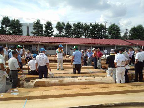 木材市場祭がありました。_a0059217_18305014.jpg