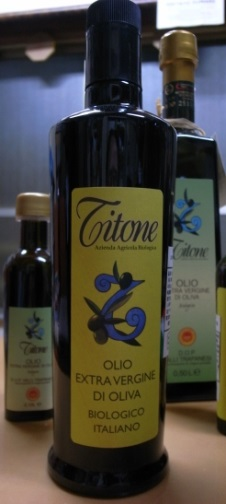 ワインとクロストーネと EXVオリーブオイル_a0317019_11395936.jpg