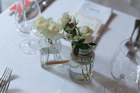 秋の卓上装花 ガラスの小瓶を並べて アンカシェット様へ_a0042928_1751873.jpg