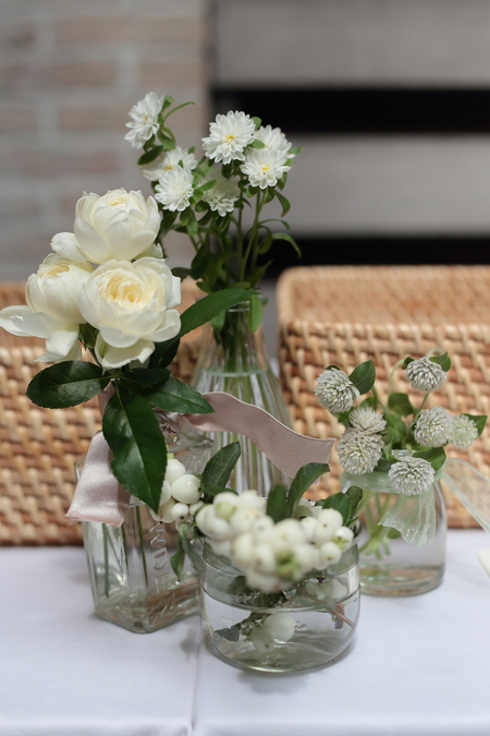 秋の卓上装花 ガラスの小瓶を並べて アンカシェット様へ_a0042928_17522621.jpg