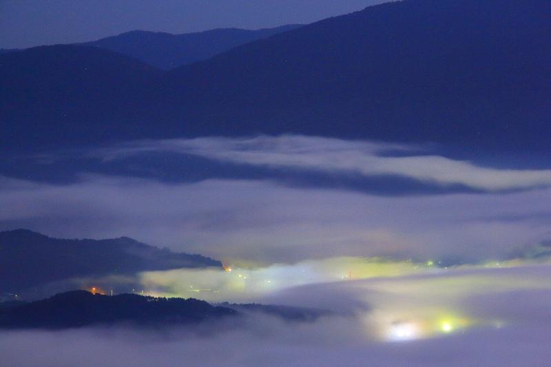 月夜の雲海_e0183063_9253279.jpg