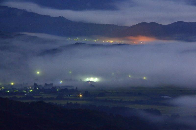 月夜の雲海_e0183063_9255132.jpg