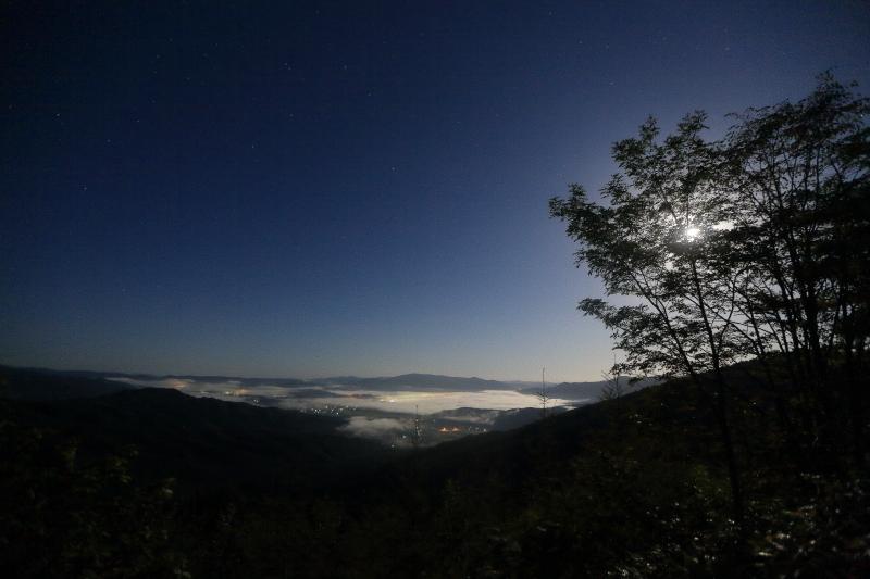月夜の雲海_e0183063_9263010.jpg