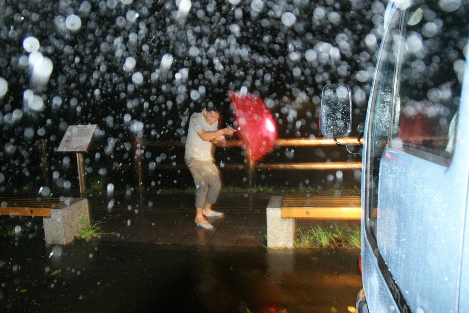 九月十六日 颱風襲來、憂水難談義 於紀伊半島_a0165993_18463449.jpg