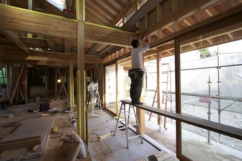 ゼロエネルギーハウス花園町:大型木製サッシ_e0054299_1113856.jpg