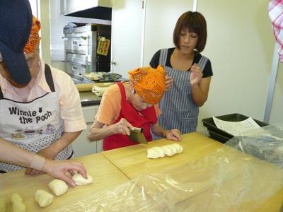 施設間交流でパン作り!_a0154110_16482613.jpg