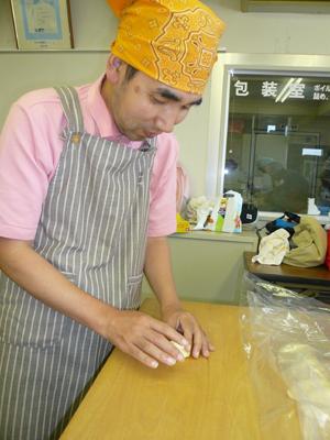 施設間交流でパン作り!_a0154110_16483259.jpg