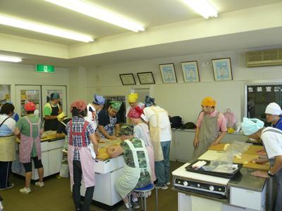 施設間交流でパン作り!_a0154110_16483931.jpg