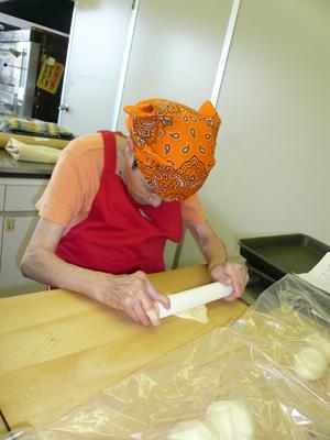 施設間交流でパン作り!_a0154110_16485476.jpg