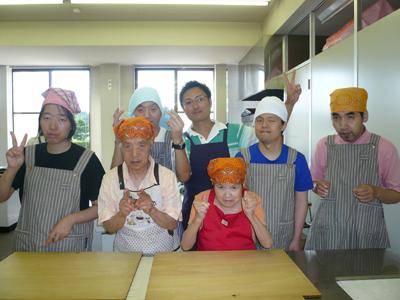 施設間交流でパン作り!_a0154110_16491765.jpg