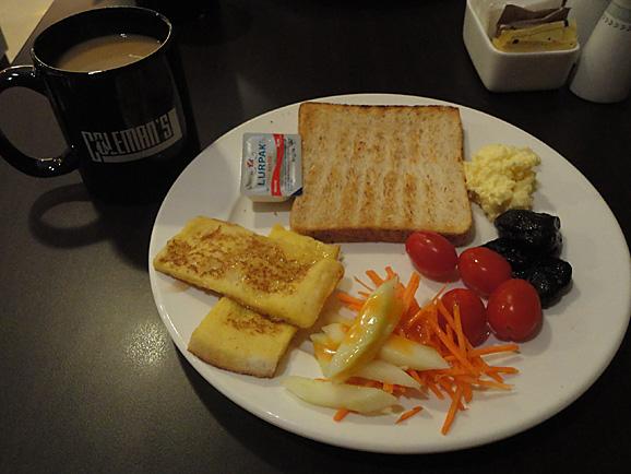 シンガポール13 朝食とセントアンドリュース大聖堂_e0230011_17151897.jpg