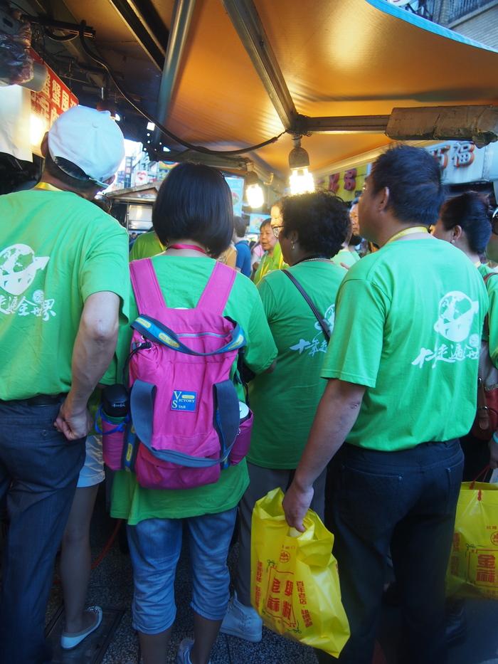 2013 9月 台湾 (13) 基隆へ  台北駅をブラブラしてから 市場の蟹スープとおこわ_f0062122_1091716.jpg