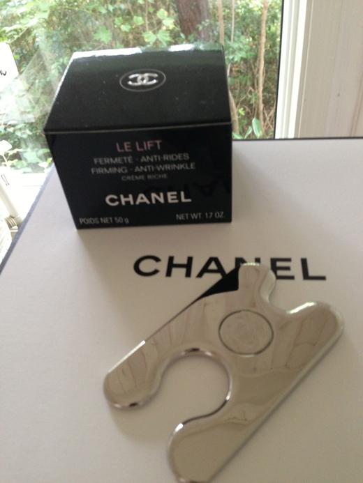 CHANELのNew アンチエンジングクリームとカッサ_f0215324_11195577.jpg