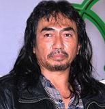 インドネシアを代表するアクション俳優7人(Kapanlagi.com)_a0054926_15555052.png