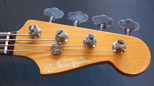 お客様オーダーの「Modern J-Bass #016」が完成です!_e0053731_1846174.jpg