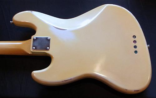 お客様オーダーの「Modern J-Bass #016」が完成です!_e0053731_1846843.jpg