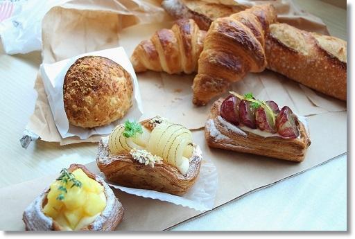 TRAN BLEU 美味しすぎるパン_c0190542_2351444.jpg