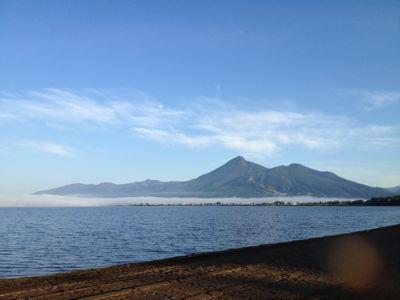 猪苗代湖と会津磐梯山と待宵月_f0081311_17302231.jpg