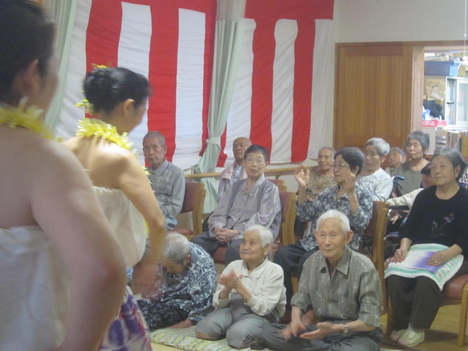 祝 敬老会_e0142373_179498.jpg