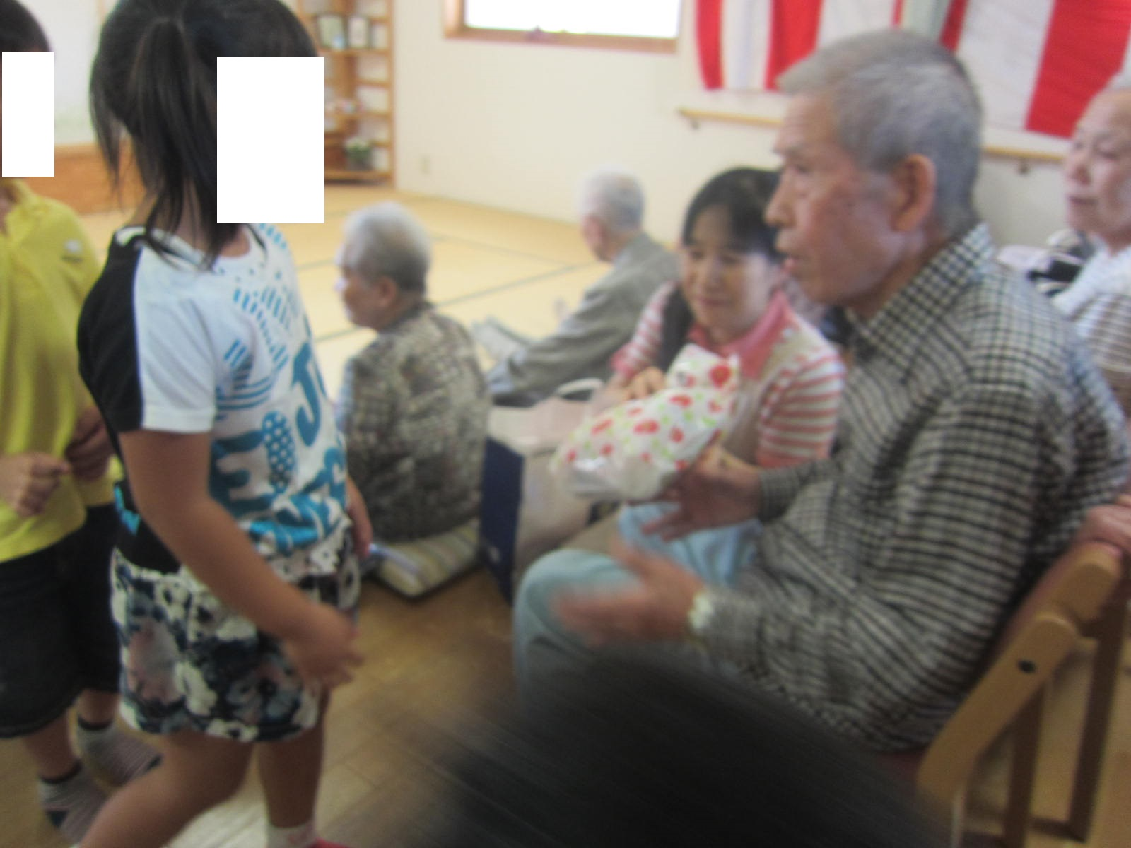 祝 敬老会_e0142373_1840893.jpg