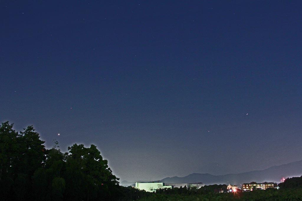 今朝も寒かった/カワセミ/金星と土星が接近/秋の空_b0024798_1572682.jpg