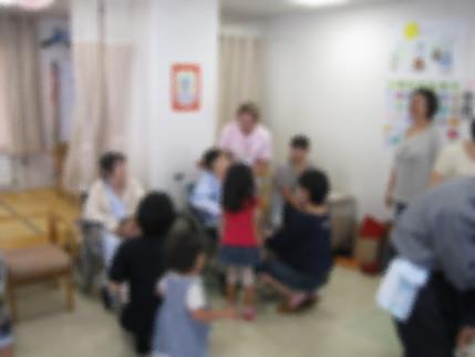 キリスト福音館親子クラス敬老訪問_b0159098_11392996.jpg