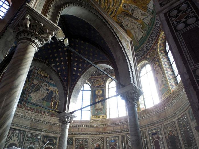 クロアチアの田舎町にあるエウフラシウス聖堂_d0116009_5292489.jpg