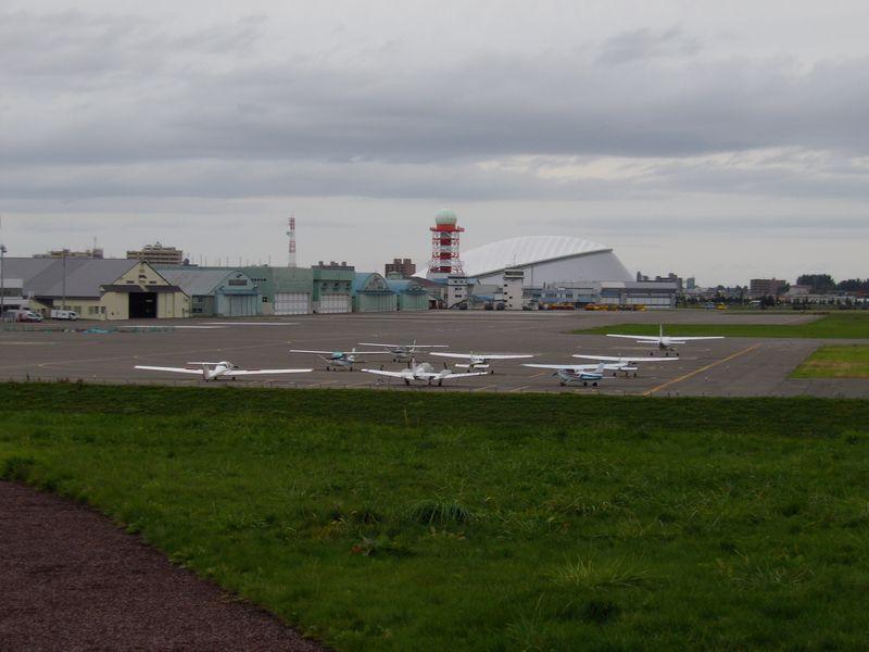 灯台下暗し:丘珠空港緑地発見_c0025115_22543992.jpg