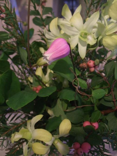 オークリーフ花の教室(富田さんの作品)_f0049672_1572946.jpg