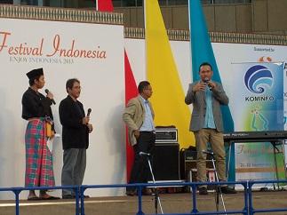 明日(9/22)もインドネシア・フェスティバル2013@六本木ヒルズ(その2)_a0054926_0562083.jpg
