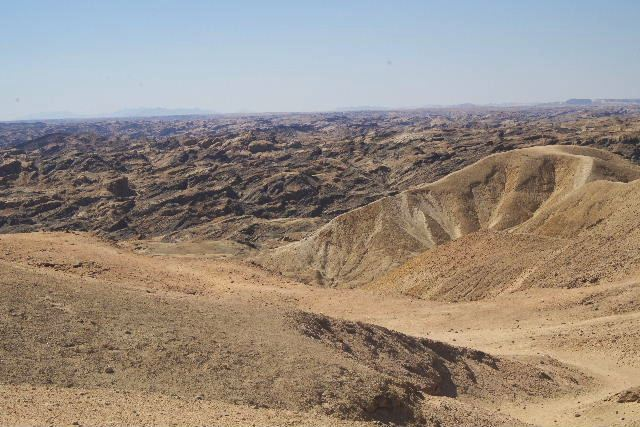 アタカマ砂漠の「月の谷」_c0011649_2213139.jpg