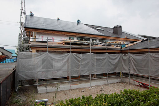 大窓花園町の家:太陽光発電パネル設置_e0054299_0283674.jpg