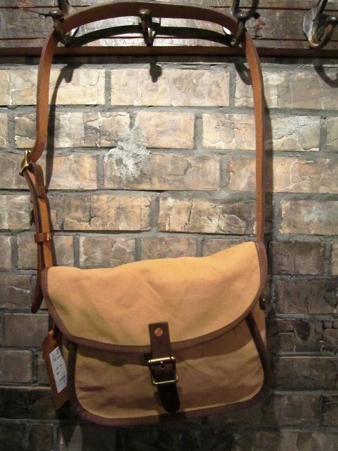 """SLOW \""""tannin shoulder bag Ssize\"""" ご紹介_f0191324_9492075.jpg"""